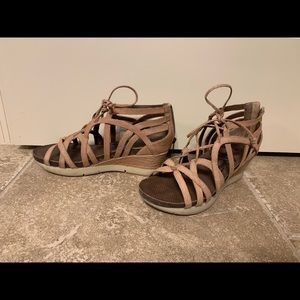 OTBT sandals size 10